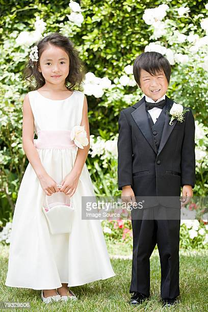 flower girl and ring bearer - ring bearer stock pictures, royalty-free photos & images