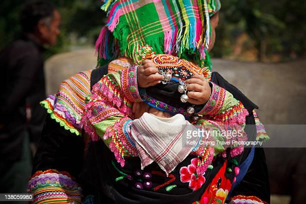 flower hmong tribe - ミャオ族 ストックフォトと画像