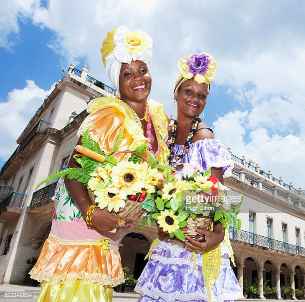 flower ladies, havana. cuba - hugh sitton stock pictures, royalty-free photos & images