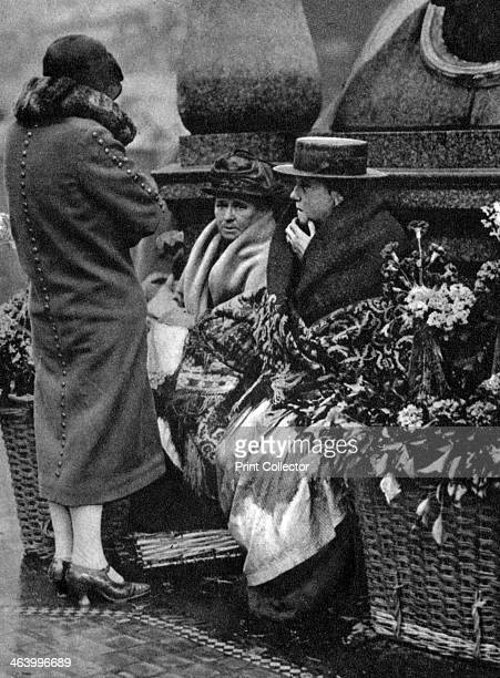 Flower sellers Piccadilly Circus London 19261927 Illustration from Wonderful London volume I edited by Arthur St John Adcock published by Amalgamated...
