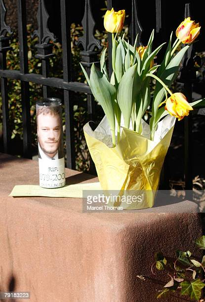 Flowers and cards are left in memory of actor Heath Ledger at the Brooklyn townhouse he once shared with his girlfriend actress Michelle Williams on...