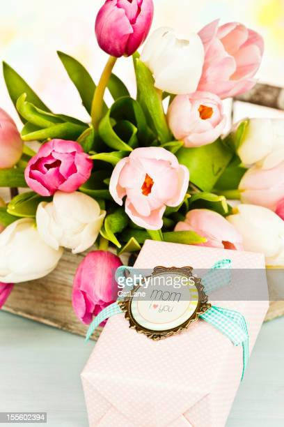Flowers and Gift For Mom