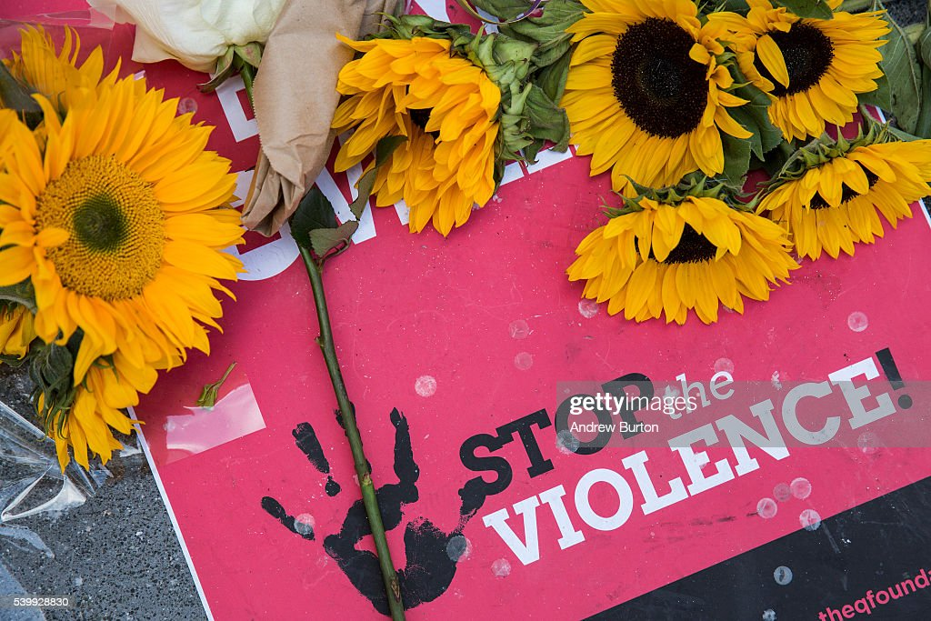 Nation Mourns Victims Of Worst Mass Shooting In U.S. History : News Photo