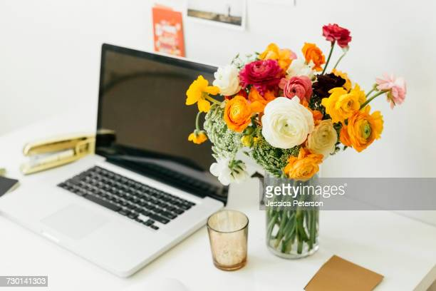 World S Best Desk With Flowers Stock Pictures Photos And