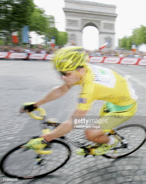 Floyd Landis of the USA and Phonak in action during Stage 20 of the 93rd Tour de France between Antony-Parc de Sceaux and Paris Champs-Elysees on...