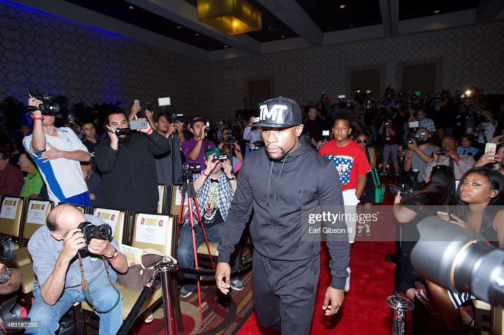 Floyd Mayweather Jr. arrives at the Los Angeles press conference announcing the Las Vegas fight date at JW Marriott Los Angeles at L.A. LIVE on August 6, 2015 in Los Angeles, California.