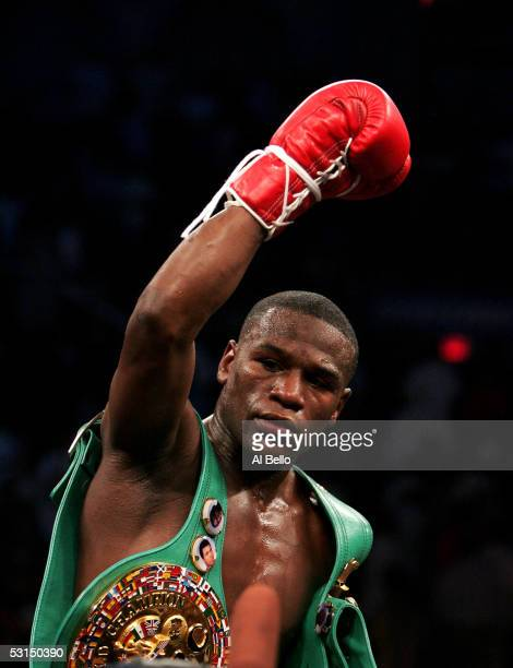 Floyd Mayweather Jr celebrates after defeating Arturo Gatti in the WBC Super Lightweight Championship fight at Boardwalk Hall on June 25 2005 in...
