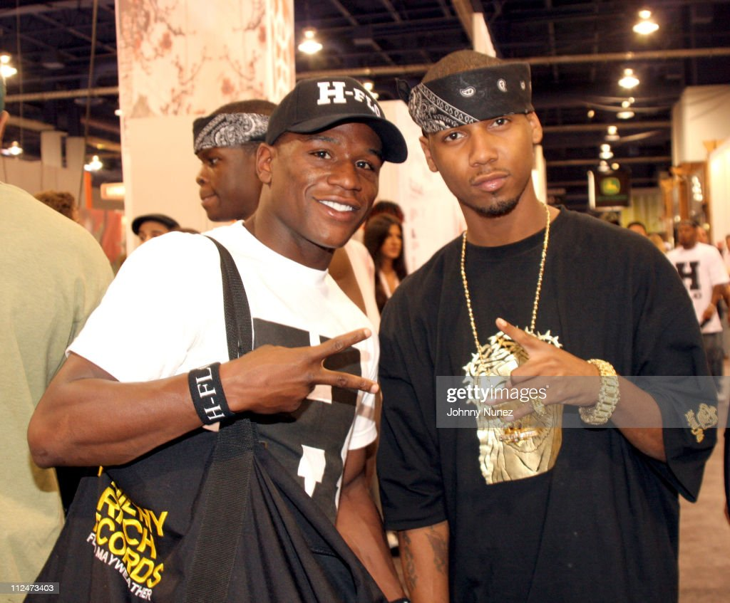 Floyed Mayweather, Jr. and Juelz Santana during 2005 Magic Convention - Fall Season - Day 2 - Celebrity Sighting at Las Vages Convention Center in Las Vages, Nevada, United States.