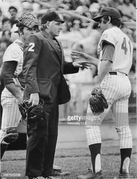 Mets pitcher Tom Seaver is warned by plate umpire Jerry Dale during the eighth inning over a changeup pitch that hit the elbow of the Padres Dave...