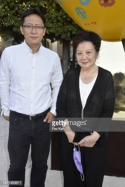 "Flutist Wang Wei and UNESCO Mozart medal award winning pianist Chow Ching Ling attend ""Bouquet du Coeur"" Sculpture By Rose De Ganay : Unvelling..."