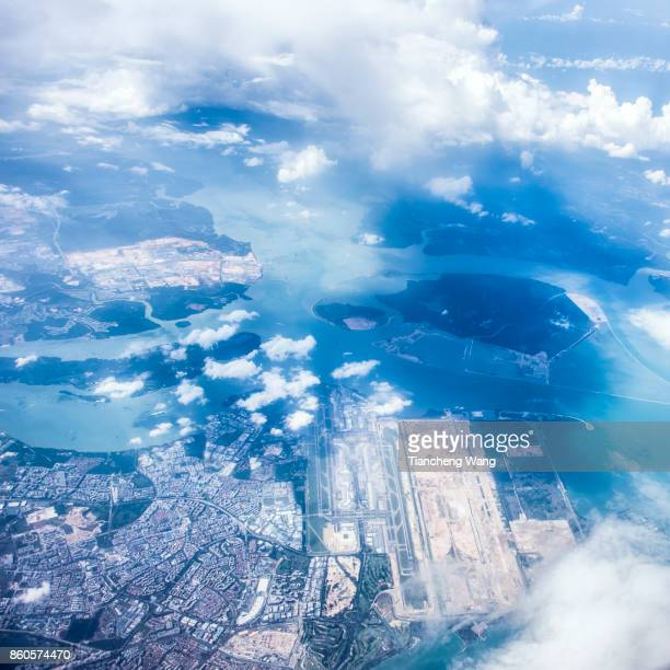 fly above singapore - changi airport stock pictures, royalty-free photos & images