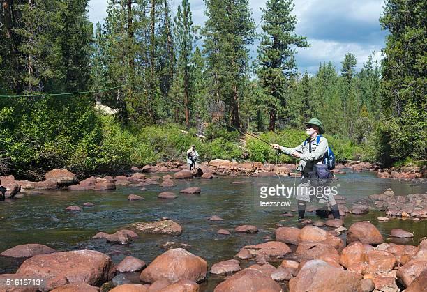 フライ漁師鋳造 - 淡水釣り ストックフォトと画像