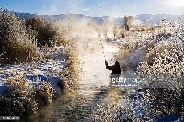 フライフィッシングに過度に寒い冬の条件