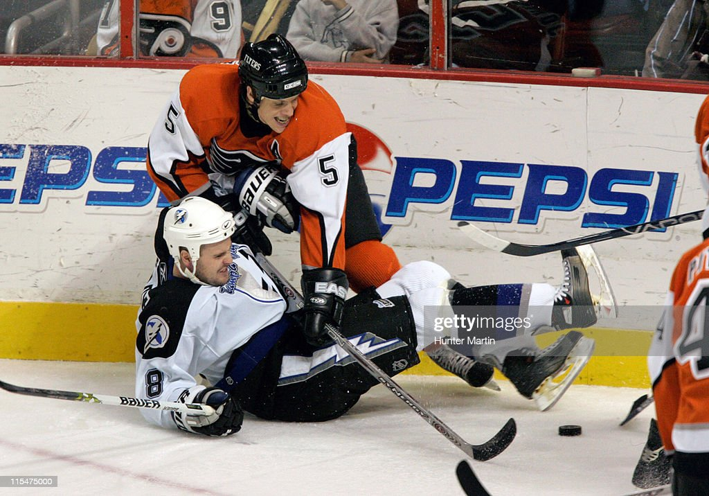 Tampa Bay Lightning vs Philadelphia Flyers - November 22, 2005