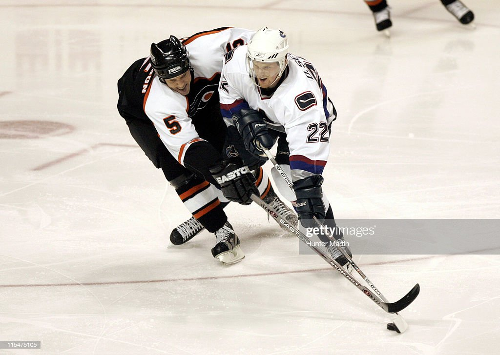 Vancouver Canucks vs Philadelphia Flyers - December 15, 2005