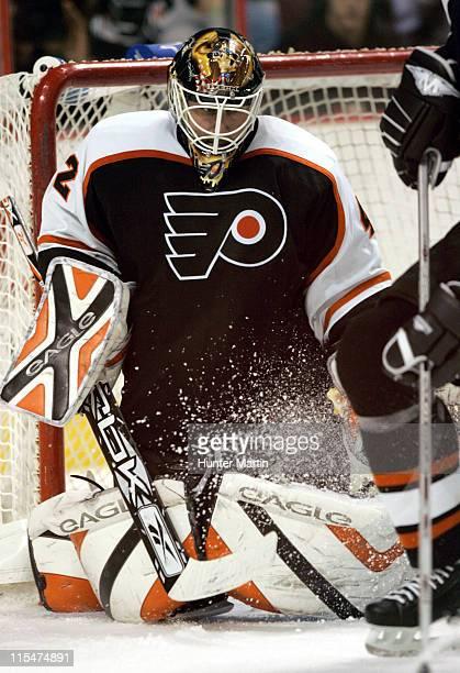 Flyer goalie Robert Esche in action during a game vs the Thrashers. Atlanta Thrashers at Philadelphia Flyers, Wachovia Center, Philadelphia, Pa.,...