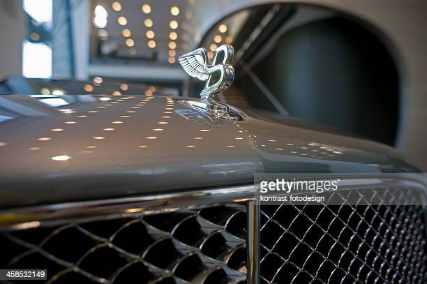 """""""flying b"""" on bentley mulsanne - bentley stock pictures, royalty-free photos & images"""