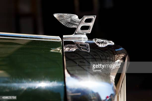 """""""flying b"""" on oldtimer bentley - bentley stock pictures, royalty-free photos & images"""