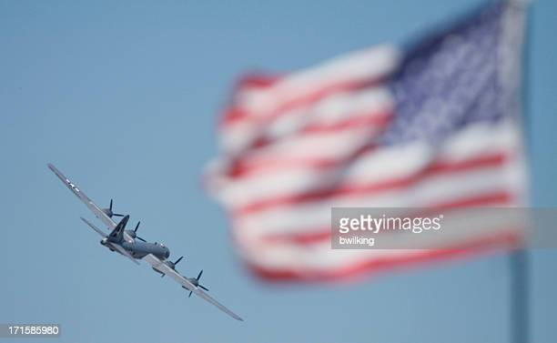 flying b-29 superfortress wwii bomber - b 29 superfortress stock photos and pictures