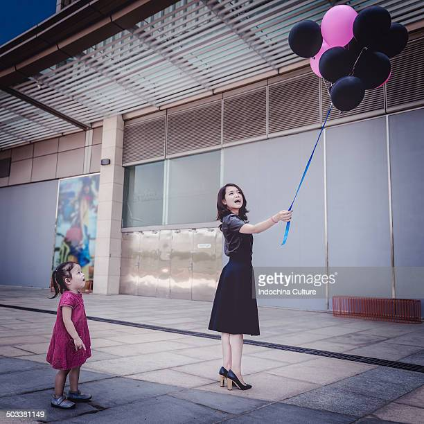 Flying balloon - Black Pink - Childhood - Vietnam