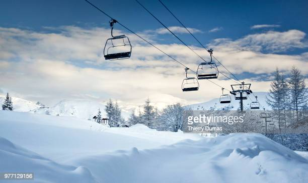 flying benches - ski lift stock pictures, royalty-free photos & images