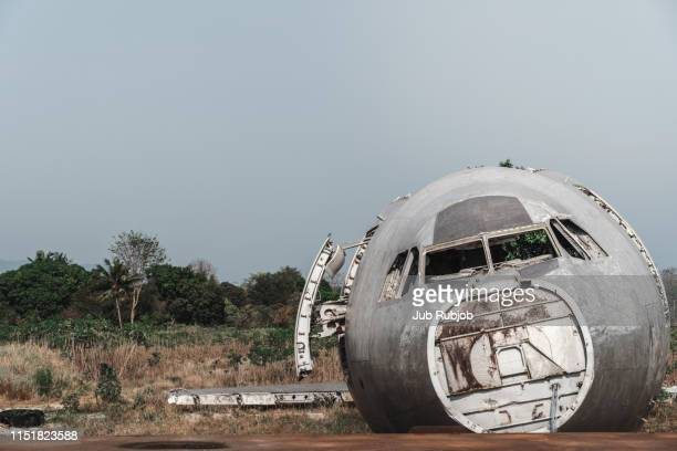 flying fortress - airplane crash stock pictures, royalty-free photos & images