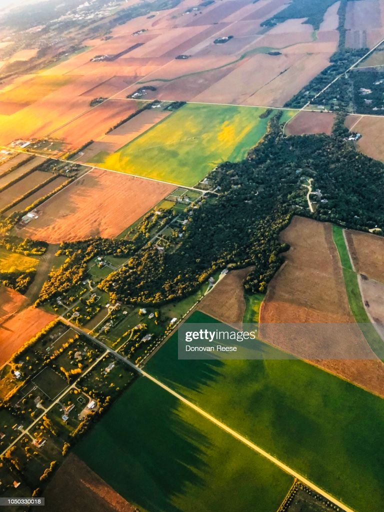 Flying On Final Approach Into Msp Airport Stock Photo
