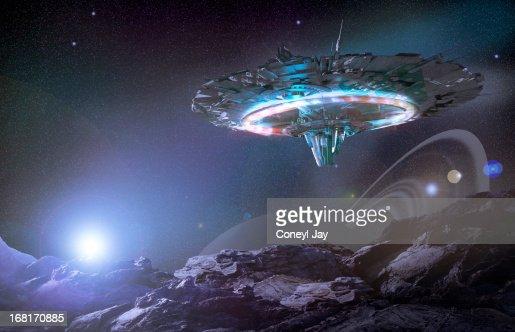 ufo flying saucer alien spaceship stock foto getty images. Black Bedroom Furniture Sets. Home Design Ideas
