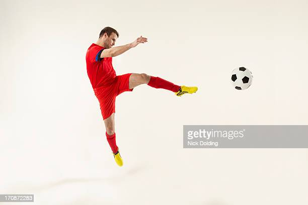 flying sports, football 07 - football player stock pictures, royalty-free photos & images
