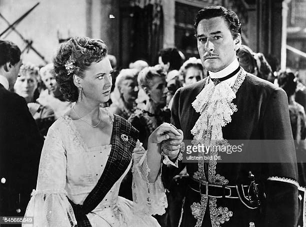 Flynn Errol Actor Australia USA * Scene from the movie 'The Master of Ballantrae'' with Beatrice Campbell Directed by William Keighley USA 1953...