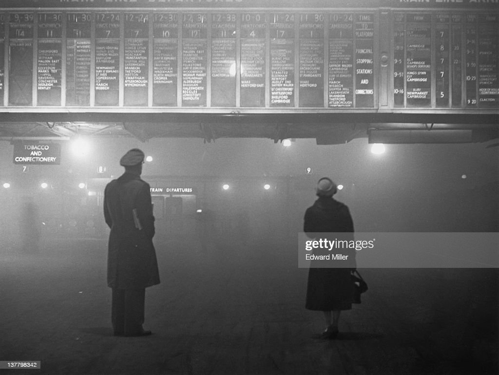 Fog At Liverpool Street : News Photo