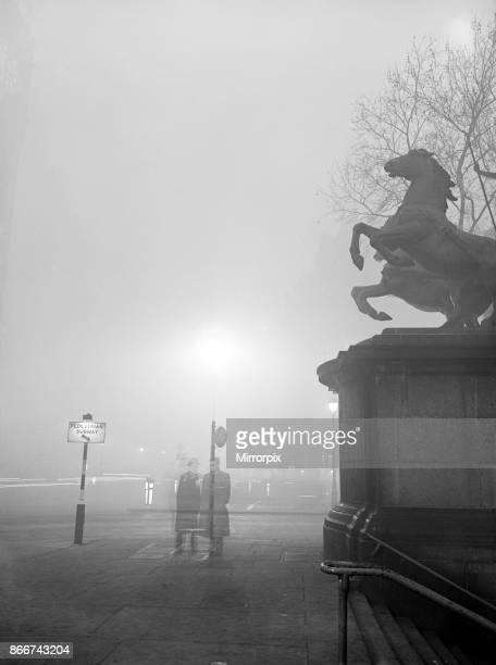 Fog in London, 6th December 1952.