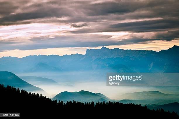 alpes de foggy bottom - grenoble photos et images de collection