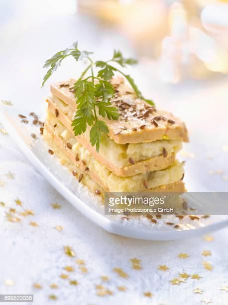 foie gras and artichoke mille-feuille - foie gras photos et images de collection