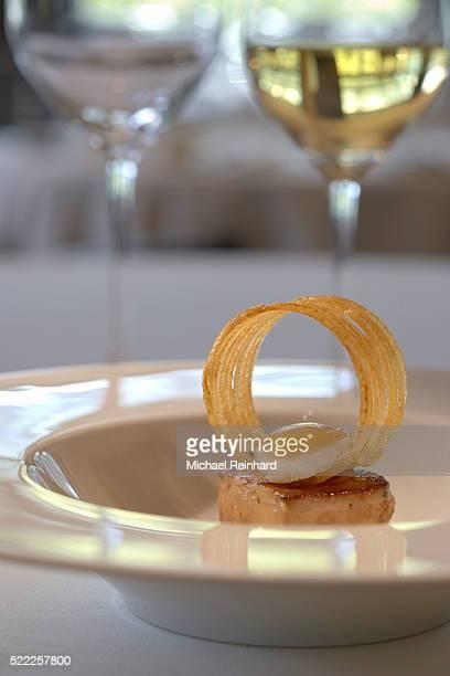foie gras course - gras fotografías e imágenes de stock