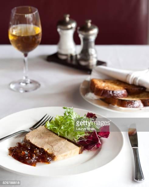 foie gras with port wine jelly - gras fotografías e imágenes de stock