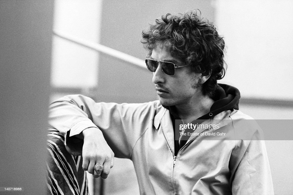 Folk singer Bob Dylan is photographed on October 9, 1972 at a recording session for musician Doug Sahm at Atlantic Studios in New York City, New York.