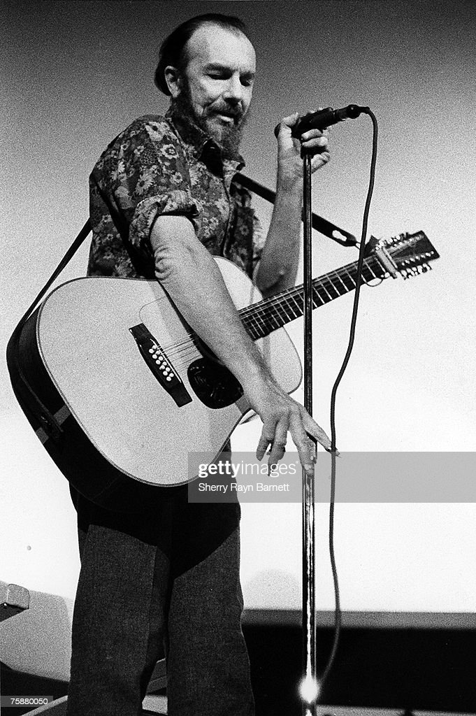 Folk singer Pete Seeger performs on the campus of New York University in New York, New York circa 1969.