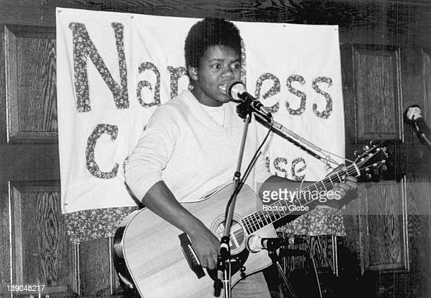 Folk singer Tracy Chapman performs in the mid-eighties.