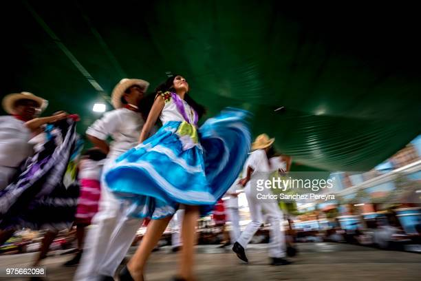 folklore in mexico - mexican fiesta stock pictures, royalty-free photos & images