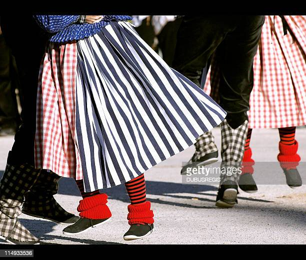 folklorique dancers - traditional dancing stock pictures, royalty-free photos & images
