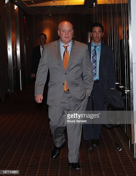 Following a day of negotiations with the NHL Players Association NHL Deputy Commissioner Bill Daly of the National Hockey League arrives to address...
