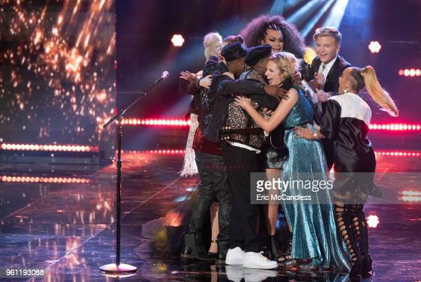 IDOL '119 ' Following amazing performances by music superstars and legends including our very own 'American Idol' judges the winner of Season 1 of...