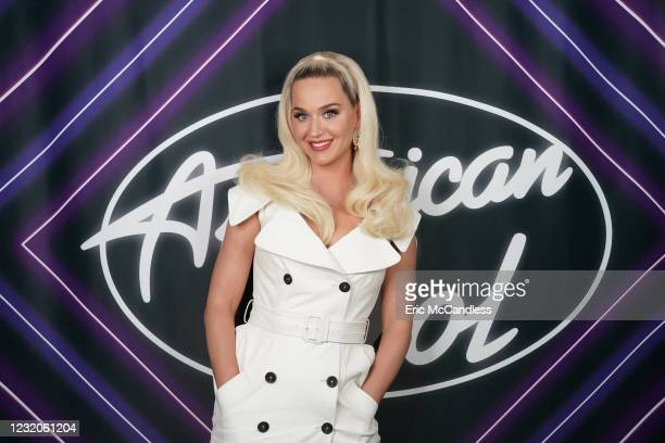 Following last weeks Showstopper round, American Idol continues with the All Star Duet and Solo round, SUNDAY, APRIL 4 , on ABC. KATY PERRY