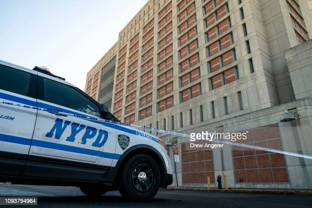 Following reports of a bomb threat an NYPD vehicles sits outside the Metropolitan Detention Center February 4 2019 in the Brooklyn borough of New...