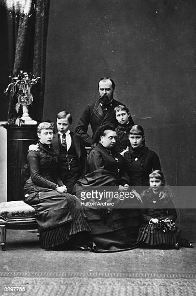 Following the death of Princess Alice Ludwig of Hesse Darmstadt's children Victoria Ernst Alice Elizabeth and Marie Victoria gather to mourn