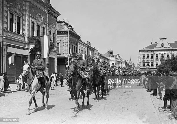 Following The Munich Accords Of September 1938 The Hungarian Army'S Cavalry Entered The City Of Szatmarnemeti In This Way Hungary Recuperated...