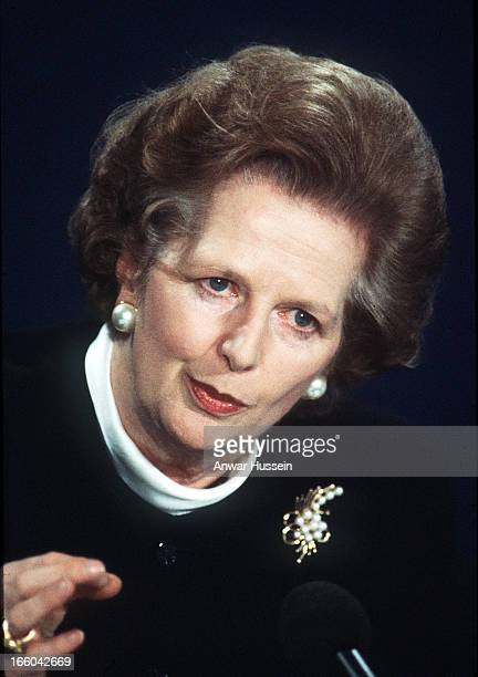 Fomer British Prime Minister Margaret Thatcher gives a press conference at 10 Downing Street on February 1 1988 in London England