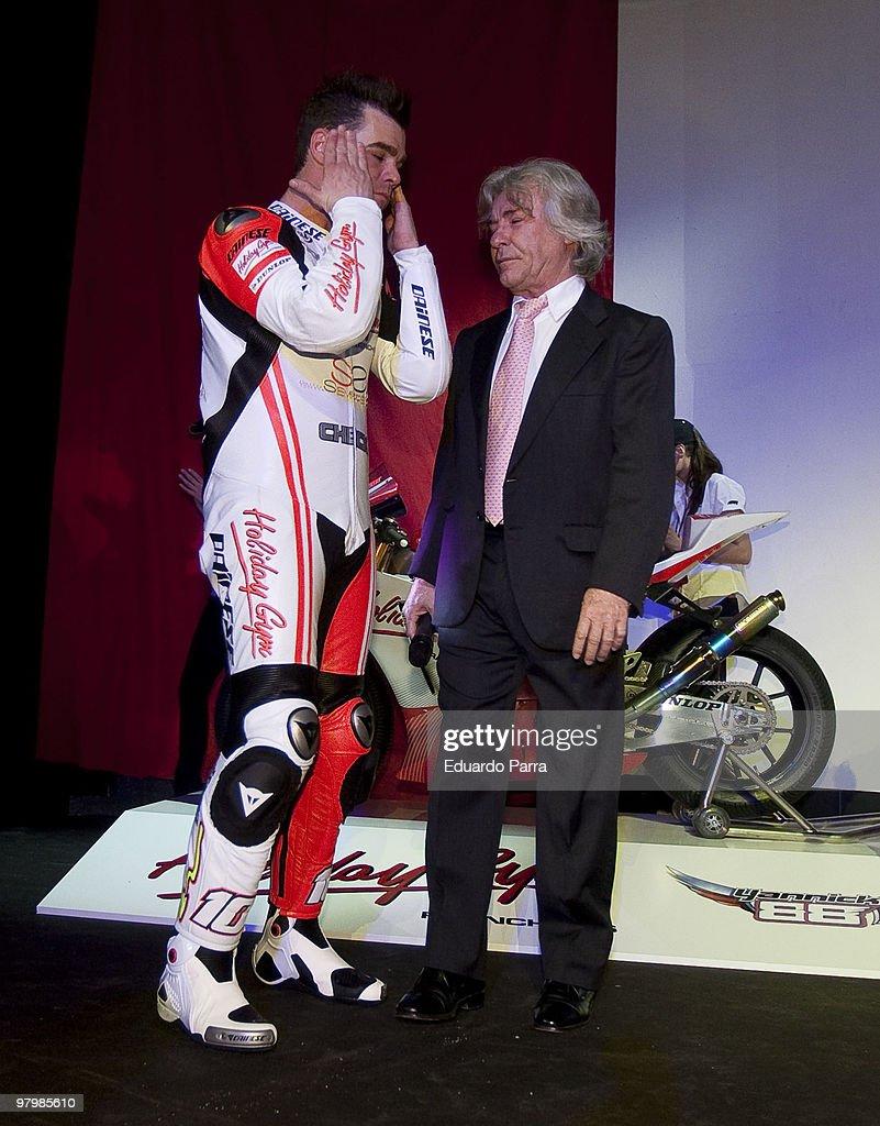 ¿Cuánto mide Ángel Nieto? Fonsi-nieto-and-angel-nieto-attend-fonsi-nietos-motorbikes-team-at-picture-id97985610