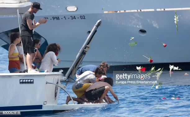 Fonsi Nieto Belinda Alonso Gelete Nieto Pablo Nieto and Hugo Nieto scatter Angel Nieto's ashes into the Mediterranean sea on August 6 2017 in Ibiza...